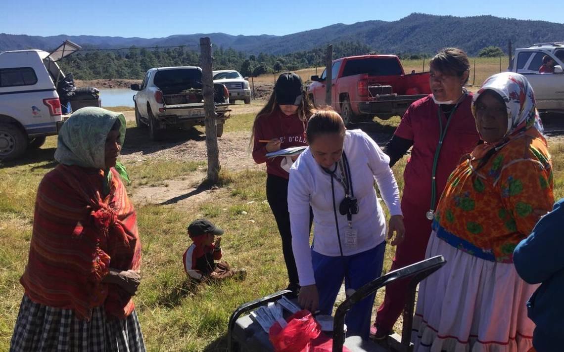 Brindan atención médica a pobladores de comunidad de Guadalupe y Calvo - El Sol de Parral