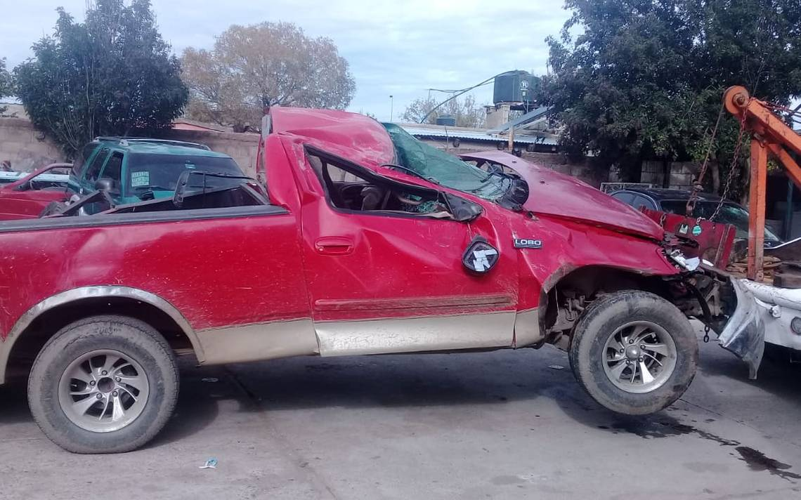 Vuelca camioneta en carretera a Santa Barbara - El Sol de Parral